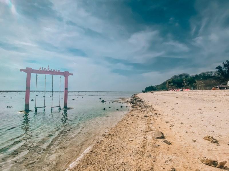 Gili Trawangan swing, pink coco resort sunset swing gili T