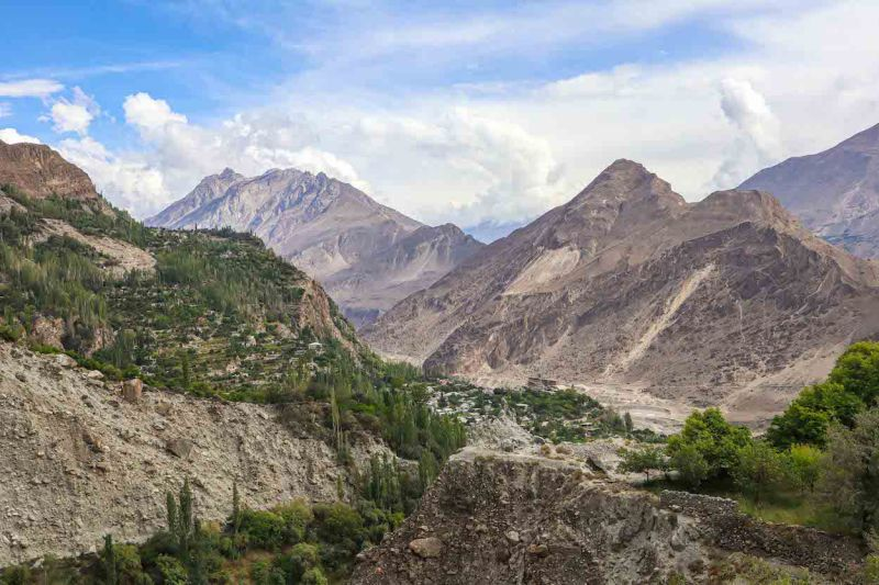 Pakistan itinerary, mountains in karimabad