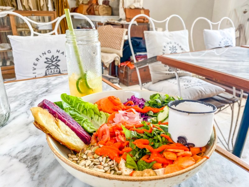 Buddha Bowl at Case Vintage restaurant   things to do in Gili T