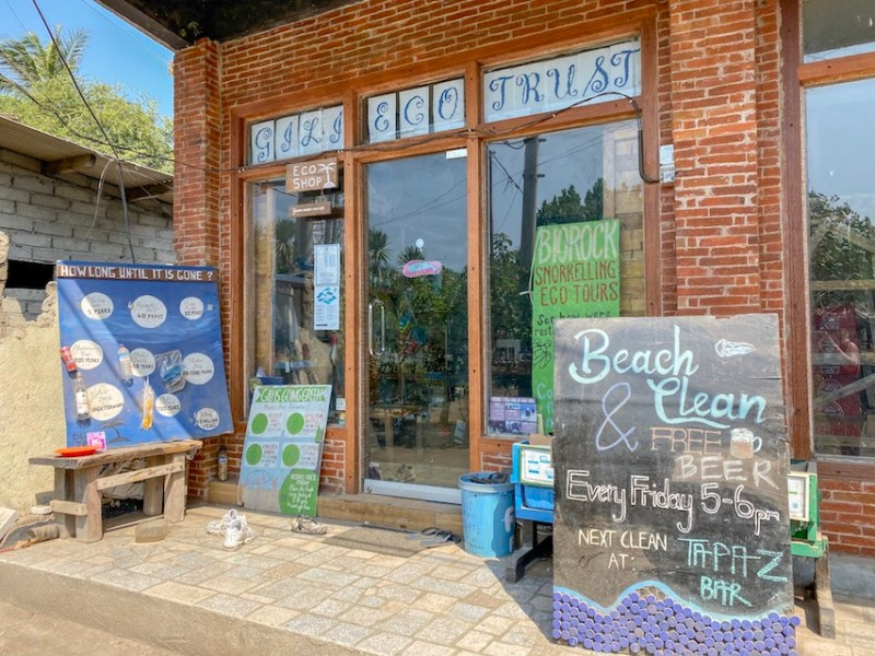 things to do in Gili Trawangan, Gili Eco Trust Shop outside