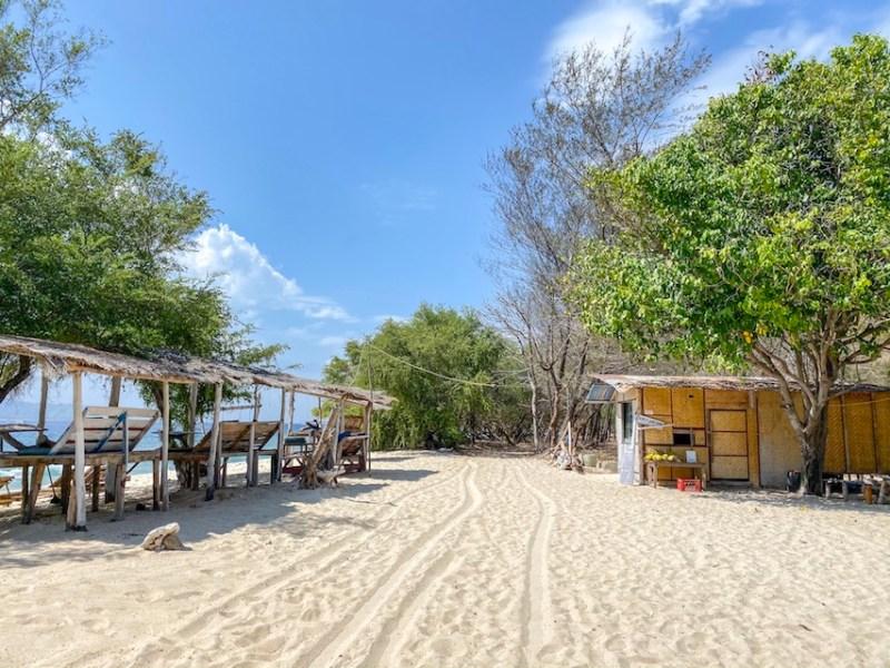 Gili Islands, Gili Meno sand track