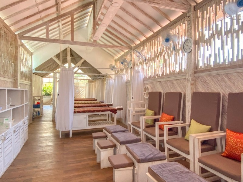 things to do in Gili Trawangan, Massage room at Flower Bath Spa
