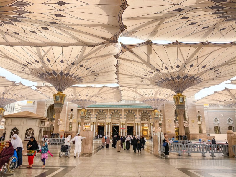things to do in Madinah, Al-Masjid a Nabawi