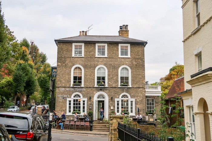Things to do in Hampstead, Wells Walk Pub