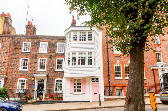 Things to do in Hampstead, Hampstead Houses