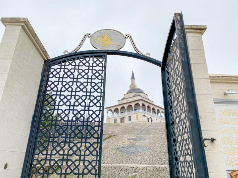 places to visit near Uzungol, Kible Dagi Camii