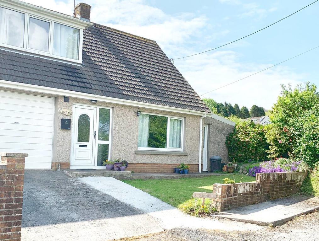 Little Mead Cottage Tenby Outside