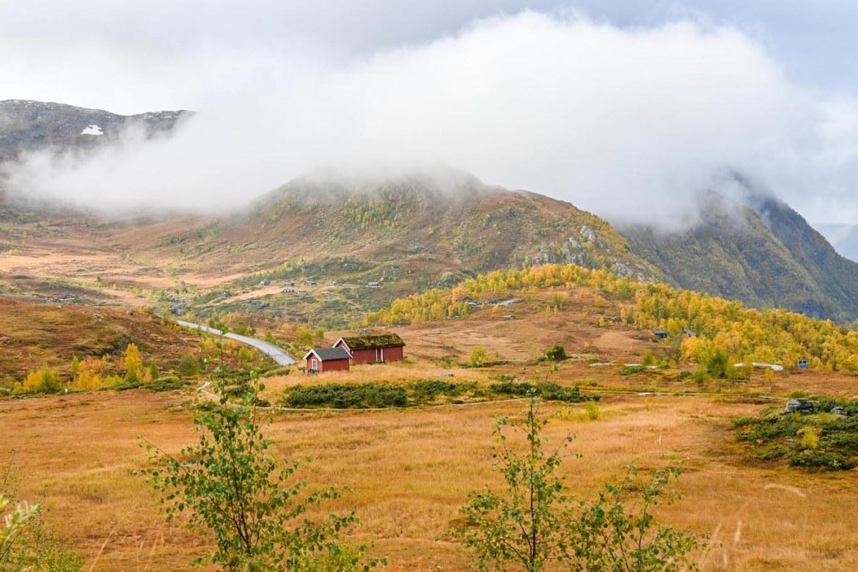 Bergen to Alesund, autumn in Jotunheimen National Park