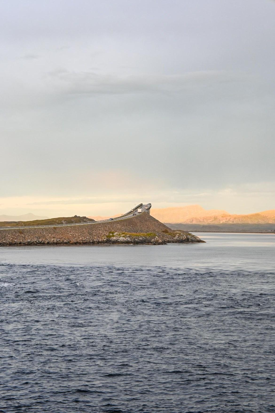 Atlantic Ocean Road Norway, dangerous bridge