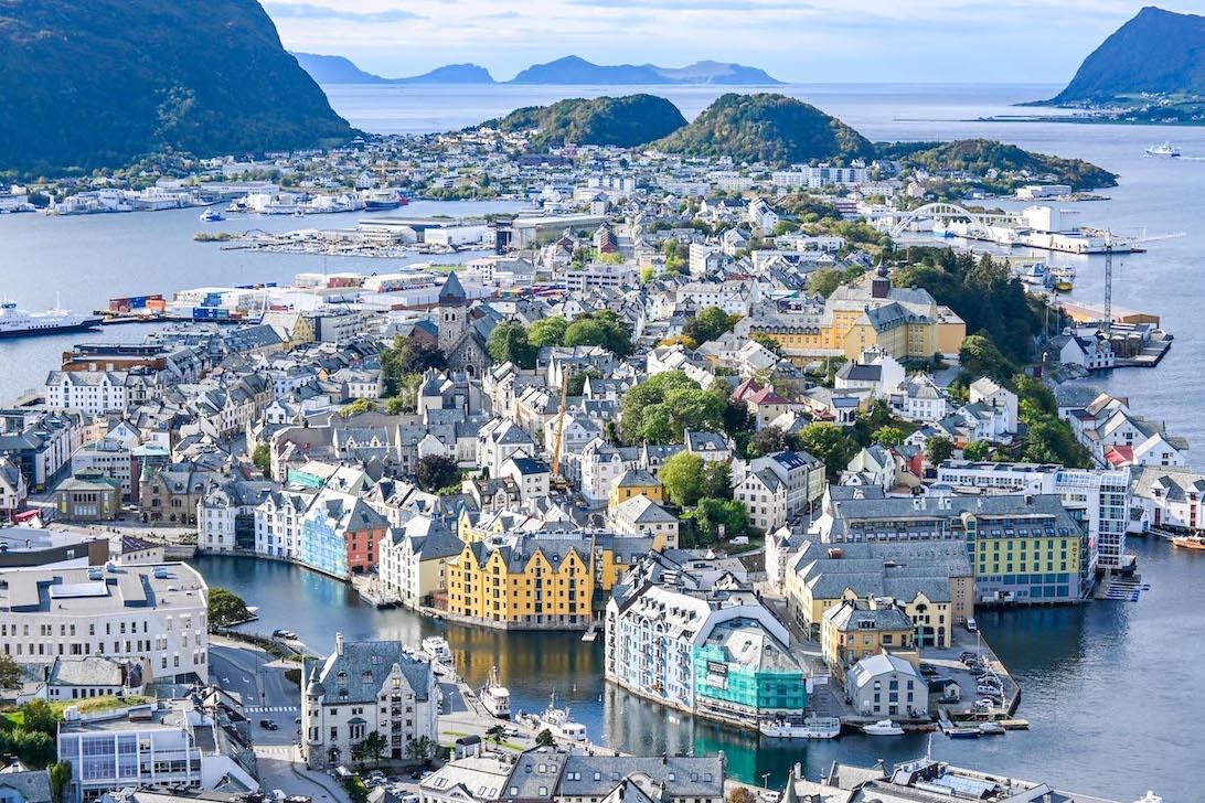 Bergen to Alesund, Alesund Viewpoint
