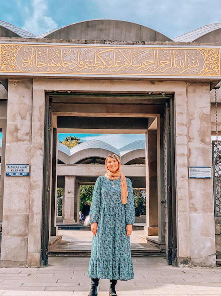 What to wear in Istanbul, packing a long dress
