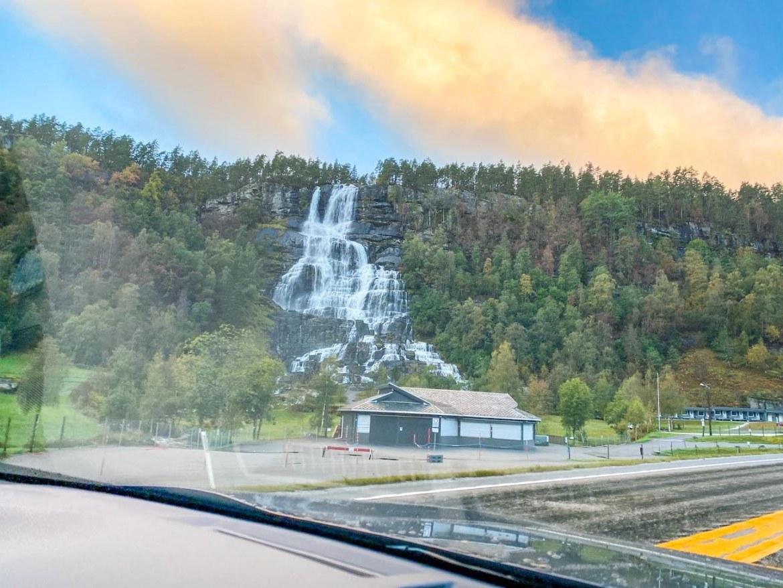 Bergen to Alesund, Tvinnefossen waterfall