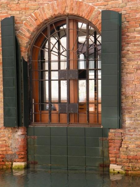 Floodproofed door, Riva <<<