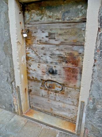 Neglected door, San Barnaba