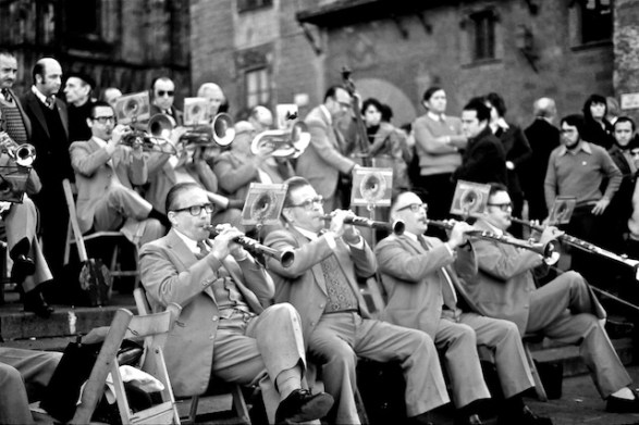 Anarchy with a Smile - the Sardana orchestra on the steps of the cathedral - Sunday mornings, Barcelona