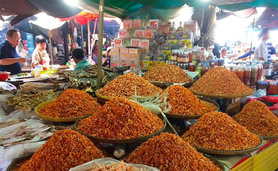 Kep Crab Market | The Wander Theory