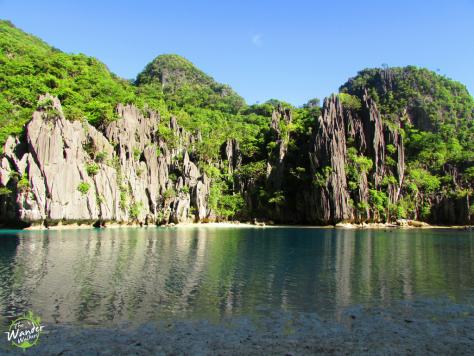 Limestone islands in El Nido - Backpacking Palawan