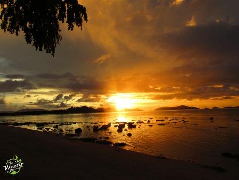 Sunset in Port Barton - Backpacking Palawan