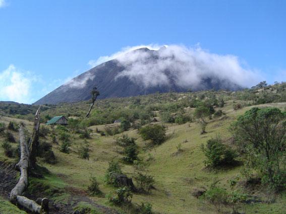Volcan de Pacaya. Photo credit: Mariel Castro, April 17, 2006