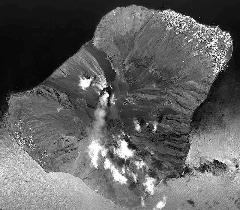 Stromboly, Italia - Crédito de la imagen: NASA