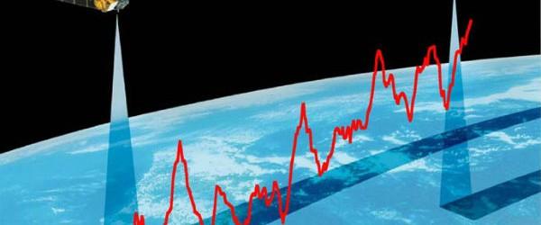 Nuevos datos de gravedad de precisión de satélite de la ESA GOCE reveló que el mar es inferior en dirección norte a lo largo de la costa este de América del Norte.  Los vientos, las corrientes, las mareas y las temperaturas de agua de mar para producir diferentes se acumulan en algunas regiones y la inmersión en los demás, así que de hecho, la altura del mar no es el mismo en todas partes de nuestro planeta.  Geodestas y oceanógrafos han estado en desacuerdo sobre si el mar es más alta o más baja hacia el norte a lo largo de la costa este de América del Norte.  Sólo hasta hace poco, geodestas pensaba que la altura del mar aumenta con la latitud a lo largo de la costa atlántica de Florida a Canadá y ahora las mediciones de GOCE nuevas ...
