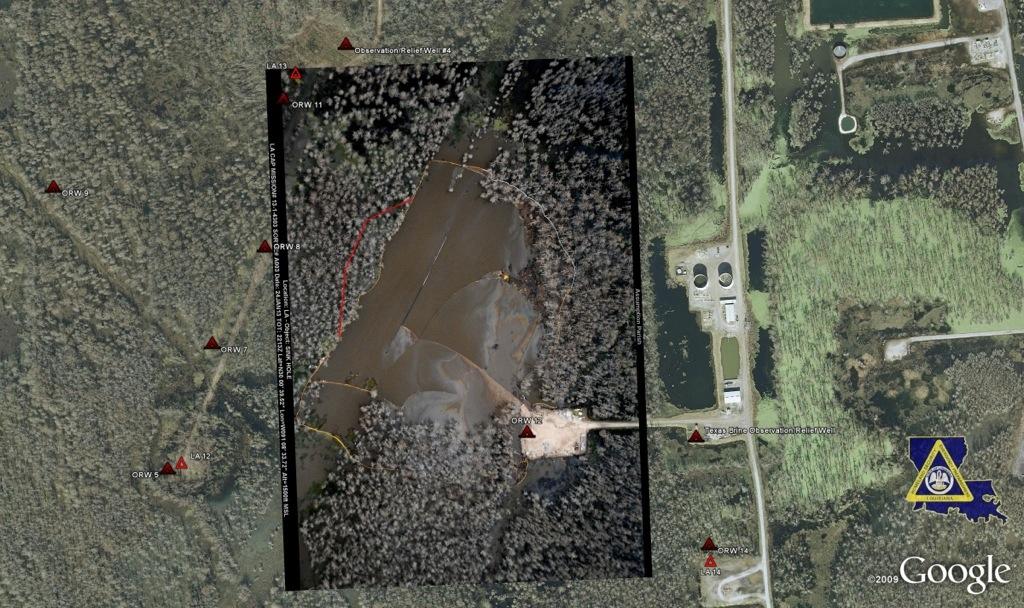 """La línea roja en la foto adjunta muestra el área de pantanos que mudan en cuando el """"eructo"""" en el socavón ocurrido esta madrugada."""