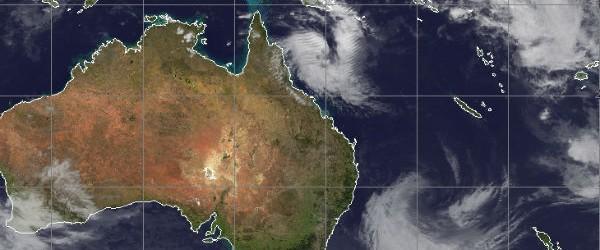 Según el último informe del Centro Común de Alerta Typhoon, Tim Tropical Depression (20P) se encuentra a unos 240 nm hacia el norte-noreste de Cairns, Australia, y se movía hacia el sudeste a 13 nudos.  En la actualidad, los vientos máximos sostenidos son de 45 nudos con rachas de hasta 55 nudos.  Animated imágenes infrarrojas mejorado representa envolver convección profunda en la consolidación de un centro de circulación de bajo nivel.  Un mosaico de imágenes de satélite de microondas reciente revela un gancho de convección profunda formación a lo largo de la periferia sur y el oeste, más allá verificar el ajuste de la mejora de la convección alrededor del centro de la circulación de bajo nivel.  Análisis del aire superior indica TD 20P está al sur de la cerca ...