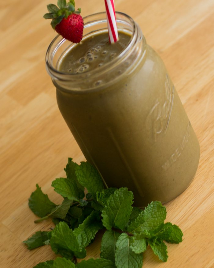 mint-chocolate-strawberry-smoothie-recipe-7220