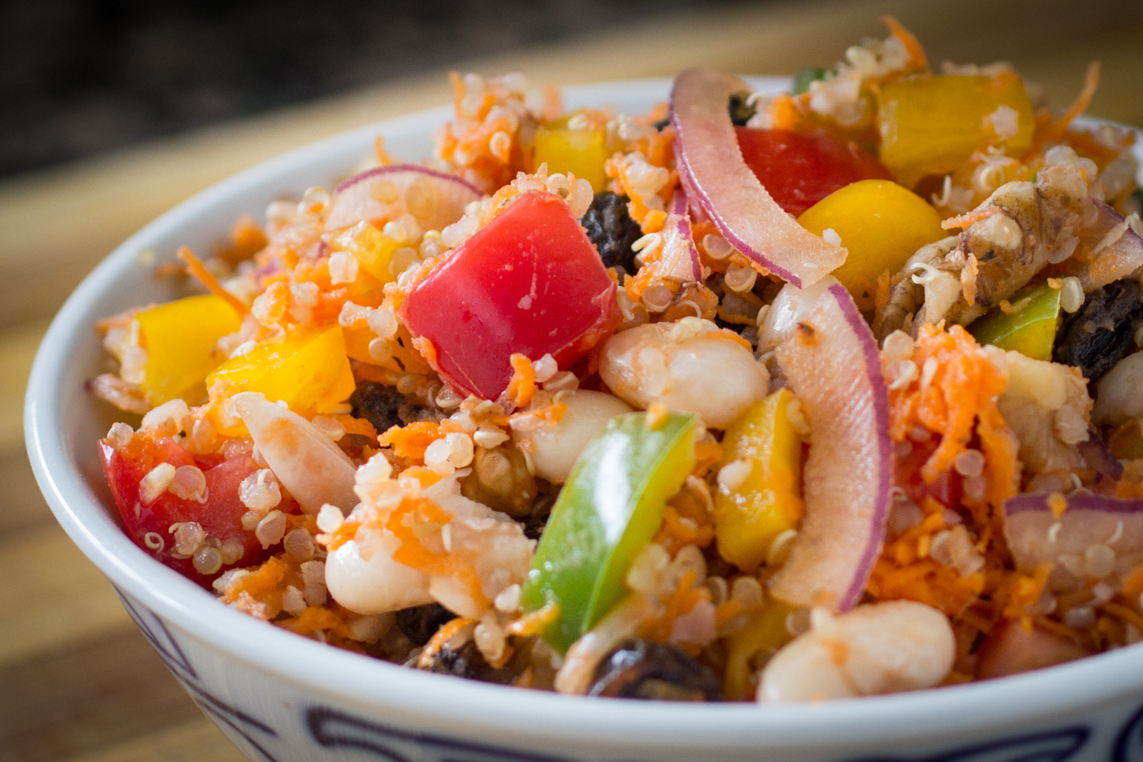 Hearty Quinoa Bean Salad Recipe
