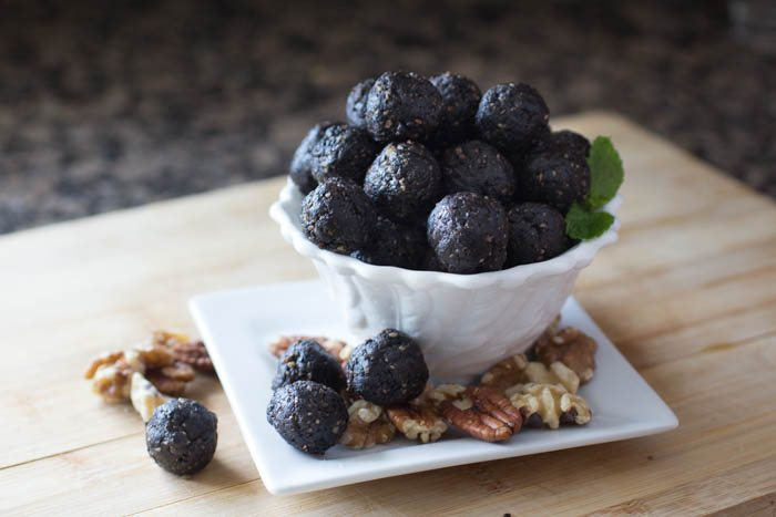 Raw Chocolate Brownie Bites Recipe | Nutritarian | Vegan