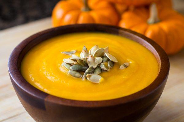 easy-roasted-pumpkin-soup-recipe-8211