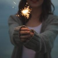 woman sparkler UnS