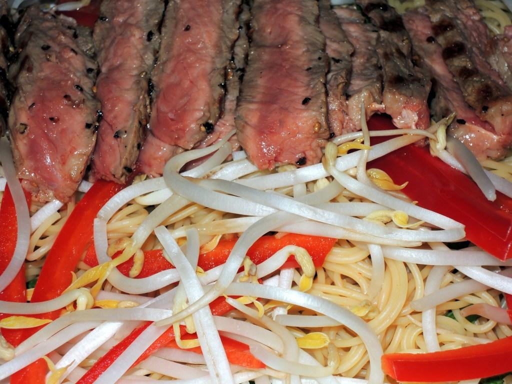 Pasta, capellini, Vietnamese-style capellini with grilled steak 2