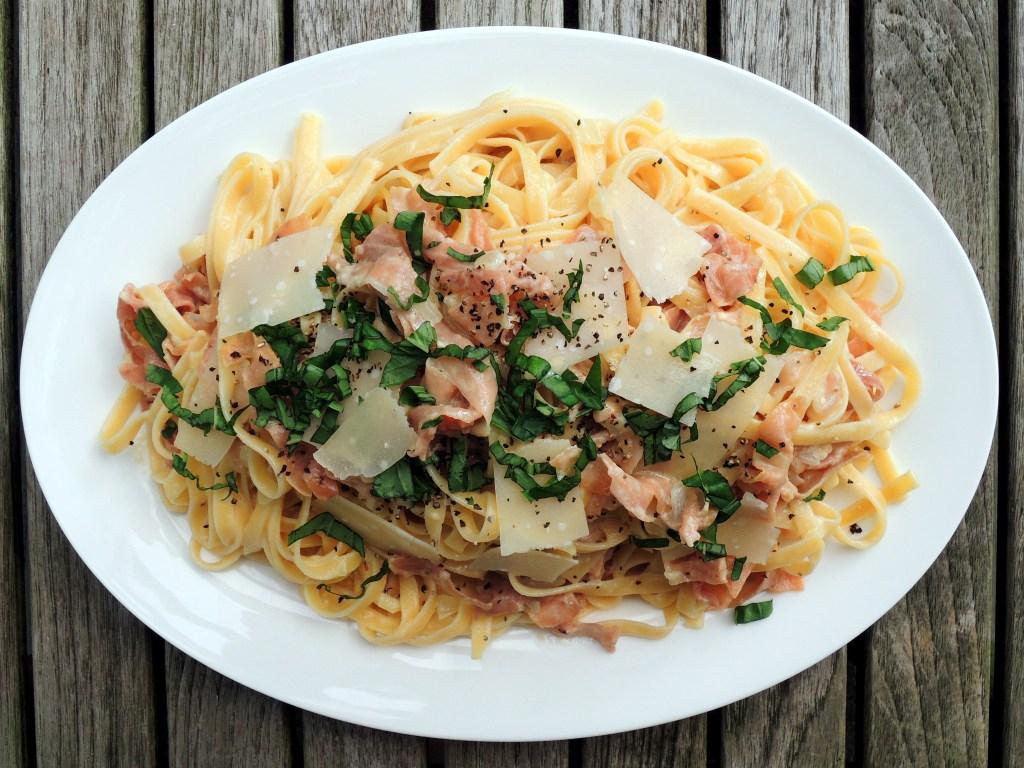 Pasta, fettuccine alla papalina (basil, cream, parmesan and proscuitto) 1