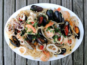 Pasta, linguine alla bucaniera (pirate's style, with clams, shrimp and squid) 1