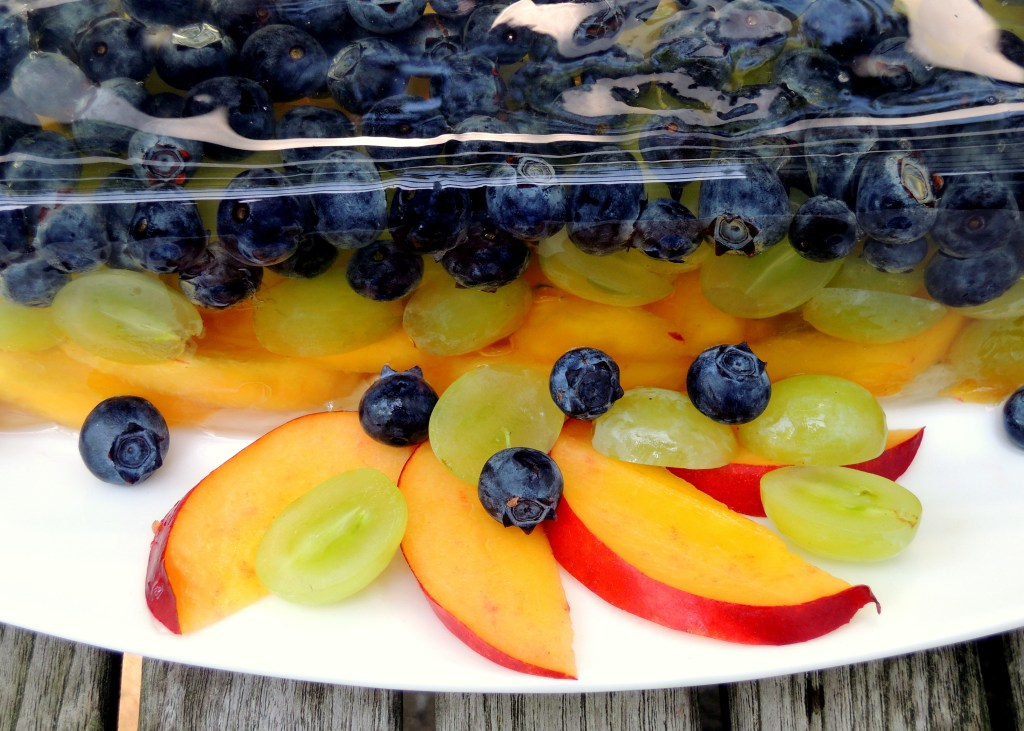 Desserts, gelatins, prosecco and summer fruit terrine 2