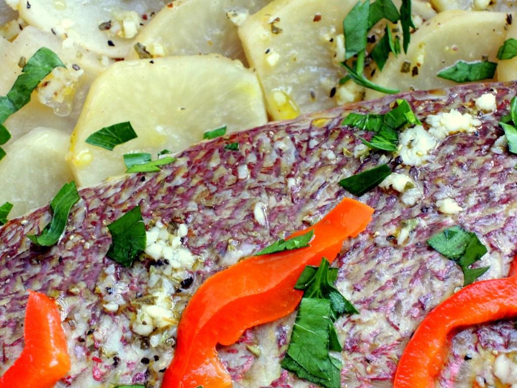 Fish, red snapper, pargo asado con salsa esmeralda 4