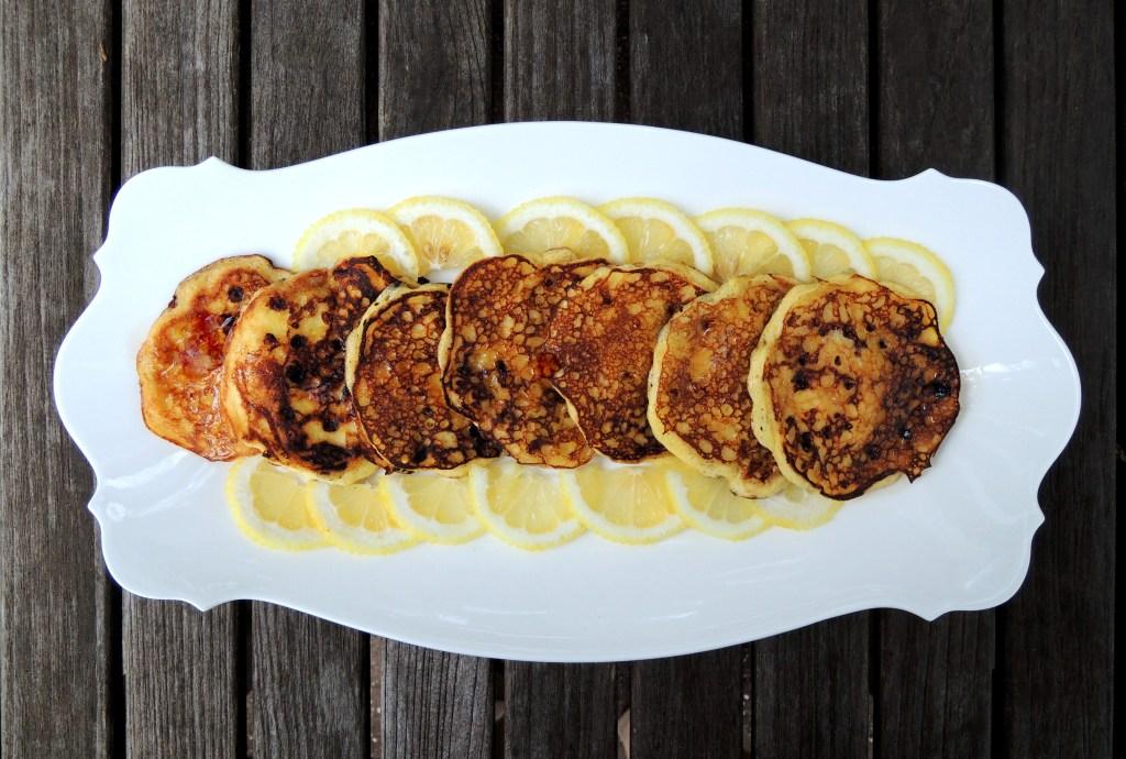 Pancakes, drop scones, flapjacks, griddle cakes, hotcakes et al, Marion Cunningham's lemon pancakes 1