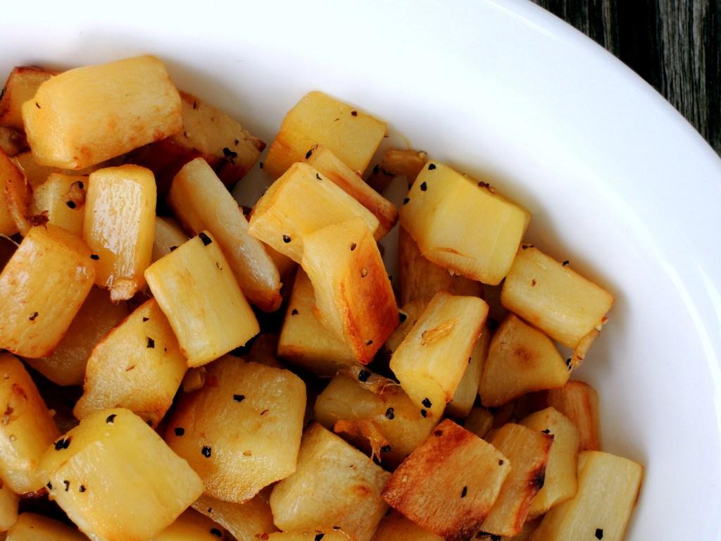 vegetables-parsnips-ginger-roasted-parsnips-2