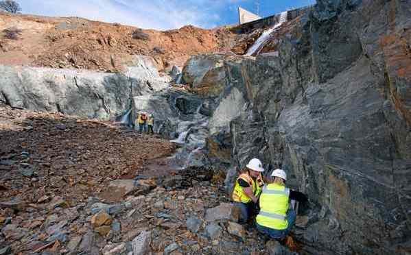 Oroville Dam: Asbestos found in spillway rock; dust controls increased