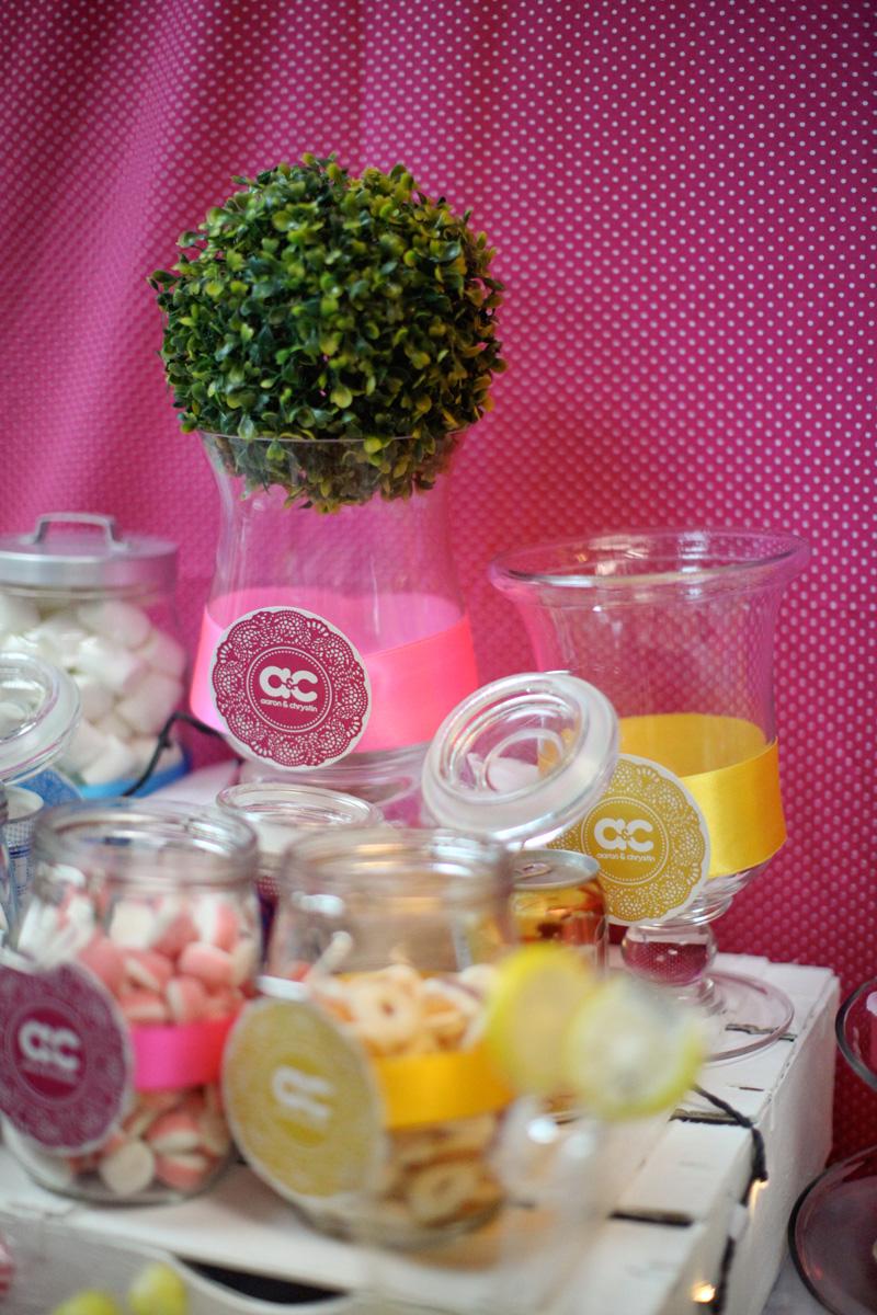 colourful wedding candy bar. Anna Rina Photography