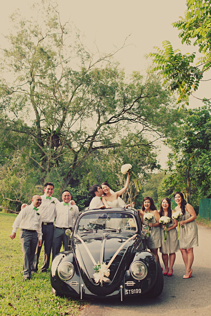 www.theweddingnotebook.com. Photography by One Eye Click. The wedding party