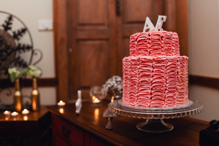 www.theweddingnotebook.com. Photography by Sayher Heffernan. Ruffle wedding cake