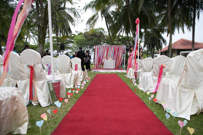 Hotel Equatorial. Garden wedding venue. Photography by 3PM Studio. www.theweddingnotebook.com