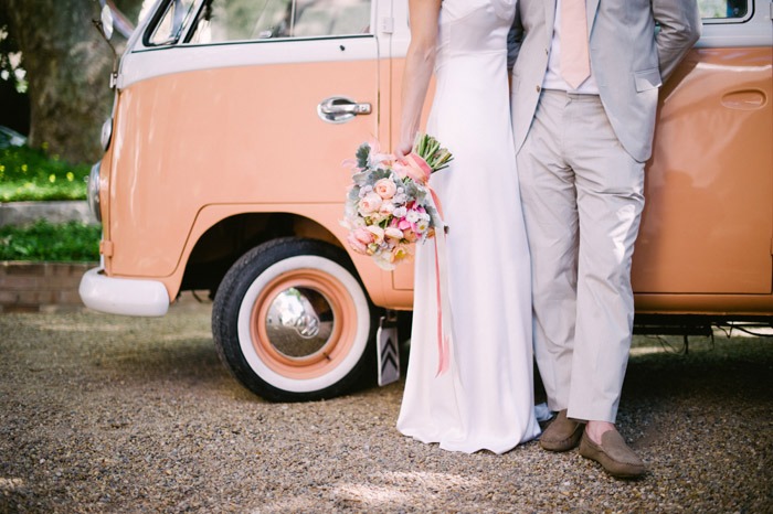Peach colour garden wedding. Tealily Photography. www.theweddingnotebook.com