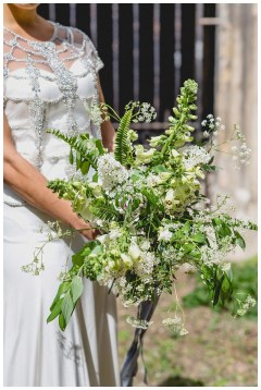 Loose white & green bridal bouquet