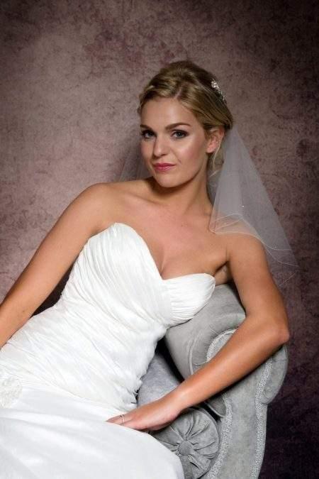 shoulder length bridal veil closeup