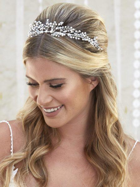 AR570 – flexible tiara/vine with crystals, diamantes & pearls