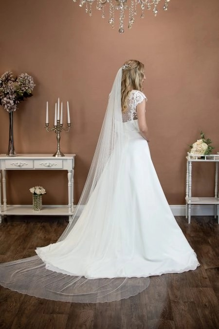 Brooklyn – one layer chapel length slim width pencil edge veil in Silk Effect tulle