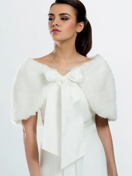 BB22 – high quality faux fur bridal cape with a pretty satin bow